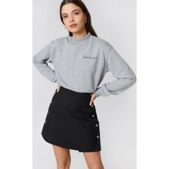 Bluzy damskie: NA-KD Urban Bluza Cool Girl - Grey