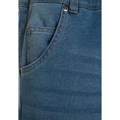 Sisley TROUSERS Jeansy Straight Leg blue denim. Niebieskie spodnie chłopięce Sisley. Za 159,00 zł.