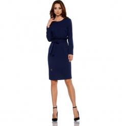 Biznesowa sukienka z paskiem granatowy. Niebieskie długie sukienki marki numoco, na imprezę, s, w kwiaty, z jeansu, sportowe, sportowe. Za 169,00 zł.