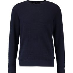 Calvin Klein SASMA STRUCTURED Sweter blue. Pomarańczowe kardigany męskie marki Calvin Klein, l, z bawełny, z okrągłym kołnierzem. W wyprzedaży za 449,10 zł.