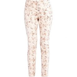 Boyfriendy damskie: Cream DANIELA Jeansy Slim Fit pink tint