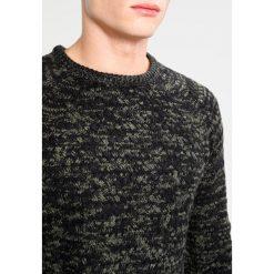 Swetry klasyczne męskie: Billabong ALLEN Sweter military