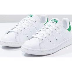 Adidas Originals STAN SMITH Tenisówki i Trampki running white/green. Białe tenisówki damskie marki adidas Originals, z materiału. W wyprzedaży za 359,10 zł.