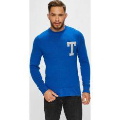 Tommy Hilfiger - Sweter. Niebieskie swetry klasyczne męskie TOMMY HILFIGER, l, z bawełny, z okrągłym kołnierzem. Za 539,90 zł.