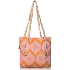 """Torba plażowa """"Ripple"""" w kolorze pomarańczowo-różowym - 40 x 50 cm. Brązowe shopper bag damskie Begonville, z bawełny. W wyprzedaży za 108,95 zł."""