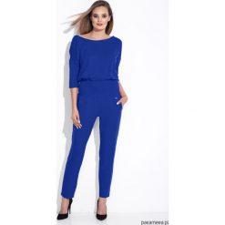 Niebieski kombinezon damski z zamkiem na plecach. Niebieskie kombinezony eleganckie Pakamera, z materiału, z dekoltem na plecach, długie. Za 189,00 zł.