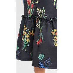 Sukienki hiszpanki: True Violet TRUE BANDEAU FRILL MIDI DRESS WITH PEPHEM Sukienka letnia black