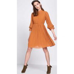 Odzież damska: Camelowa Sukienka Acquiescence