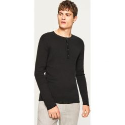 Sweter zapinany na dekolcie - Czarny. Szare swetry rozpinane męskie marki bonprix, l, melanż. W wyprzedaży za 49,99 zł.