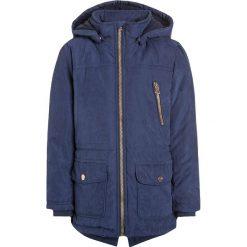 Blue Seven Kurtka zimowa dunkelblau. Niebieskie kurtki dziewczęce przeciwdeszczowe Blue Seven, na zimę, z materiału. W wyprzedaży za 125,40 zł.