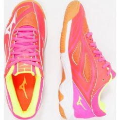 Mizuno WAVE STAR 2 MIRAGE Obuwie do piłki ręcznej fiery coral/white/pink glo. Pomarańczowe buty do koszykówki damskie marki Mizuno, z gumy, mizuno wave. Za 249,00 zł.