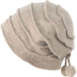 Czapka damska Dwie wisienki beżowa. Brązowe czapki zimowe damskie Art of Polo. Za 66,01 zł.