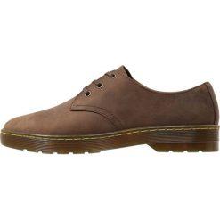 Dr. Martens CORONADO Sznurowane obuwie sportowe gaucho. Brązowe buty sportowe męskie Dr. Martens, z materiału, na sznurówki. Za 389,00 zł.