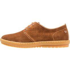 Panama Jack SIDNEY Sznurowane obuwie sportowe brown. Brązowe buty skate męskie Panama Jack, z materiału, na sznurówki. W wyprzedaży za 377,30 zł.