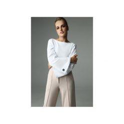 BLUZKA SLENDER - BIAŁA. Białe bluzki asymetryczne Madnezz, s, z bawełny, biznesowe, z dekoltem na plecach. Za 179,00 zł.