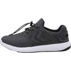 Hummel TERRAFLY Obuwie treningowe asphalt. Szare buty sportowe męskie marki Hummel, z gumy. W wyprzedaży za 175,45 zł.