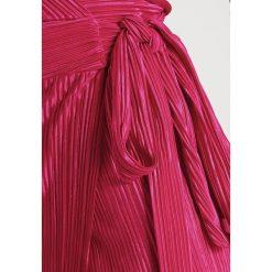 Sukienki hiszpanki: WAL G. Sukienka letnia fushia