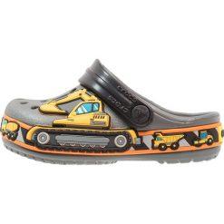Crocs FUN LAB GRAPHIC  Sandały kąpielowe slate grey. Szare sandały chłopięce marki Crocs, z gumy. Za 129,00 zł.