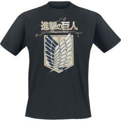 Attack On Titan Crew Logo T-Shirt czarny. Czarne t-shirty męskie z nadrukiem marki Attack On Titan, xl, z okrągłym kołnierzem. Za 79,90 zł.