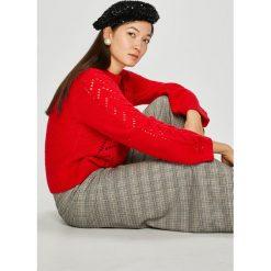 Levi's - Sweter. Brązowe swetry klasyczne damskie Levi's®, l, z dzianiny, z okrągłym kołnierzem. Za 369,90 zł.