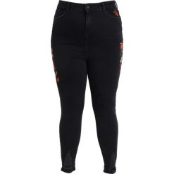 Boyfriendy damskie: New Look Curves JENNA EMBROIDERED Jeans Skinny Fit black