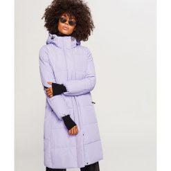 Fioletowy płaszcz z kapturem - Fioletowy. Fioletowe płaszcze damskie marki Reserved. Za 249,99 zł.