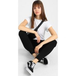 Topshop LEIGH  Jeans Skinny Fit black. Czarne rurki damskie Topshop. Za 209,00 zł.