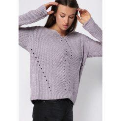 Szary Sweter Lightning Strike. Szare swetry klasyczne damskie Born2be, na jesień, l. Za 64,99 zł.