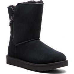 Buty UGG - W Classic Sparkle Zip 1094983 W/Blk. Czarne buty zimowe damskie Ugg, ze skóry. Za 919,00 zł.