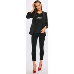 Only - Jeansy Blush. Szare jeansy damskie rurki marki ONLY, s, z bawełny, casualowe, z okrągłym kołnierzem. W wyprzedaży za 149,90 zł.