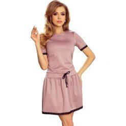 Sukienki: Ember Sukienka z koronkowymi wstawkami – BRUDNY RÓŻ