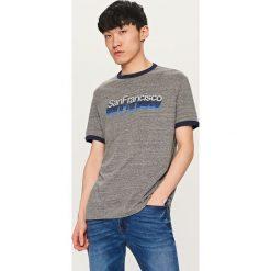 T-shirty męskie: T-shirt z nadrukiem vintage – Szary