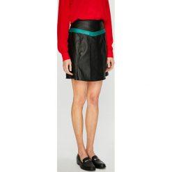 Vero Moda - Spódnica Contrast. Szare minispódniczki Vero Moda, l, z materiału, z podwyższonym stanem, proste. Za 129,90 zł.