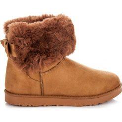 Mukluki z kokardą Florida. Białe buty zimowe damskie marki KYLIE. Za 79,90 zł.