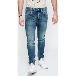 Pepe Jeans - Jeansy Gunnel. Różowe jeansy męskie z dziurami marki Pepe Jeans, z gumy, na sznurówki. W wyprzedaży za 269,90 zł.