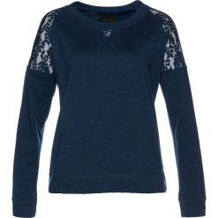 Bluza z koronką bonprix ciemnoniebieski. Niebieskie bluzy damskie bonprix, z aplikacjami, z dżerseju. Za 89,99 zł.