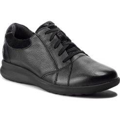 Półbuty CLARKS - Un Adorn Lace 261360714 Black Combi. Czarne półbuty damskie skórzane marki Clarks, na płaskiej podeszwie. W wyprzedaży za 319,00 zł.