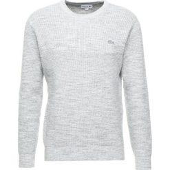 Lacoste AH919200 Sweter pluvier chine. Szare swetry klasyczne męskie marki Lacoste, z bawełny. Za 629,00 zł.