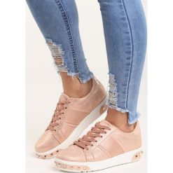 Różowe Buty Sportowe Capricorn. Czerwone buty sportowe damskie marki Born2be, z materiału. Za 79,99 zł.