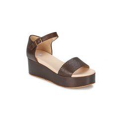 Sandały RAS  VILOLETTA. Białe sandały damskie marki Dstreet, z aplikacjami, eleganckie. Za 535,20 zł.