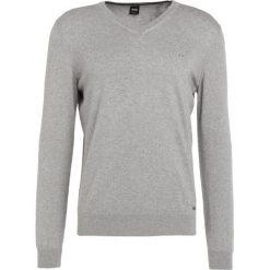 Swetry klasyczne męskie: BOSS CASUAL AKHUBOS Sweter light grey