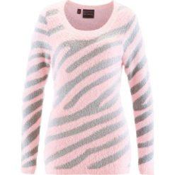 Swetry klasyczne damskie: Sweter bonprix pastelowy jasnoróżowy – srebrny wzorzysty