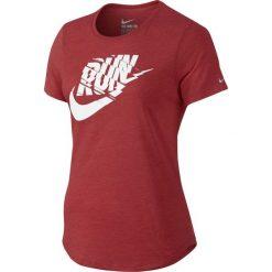 Nike Koszulka damska Run P Orgametric Swoosh Tee czerwona r. M (776636 672). Czerwone topy sportowe damskie marki Nike, m. Za 79,25 zł.