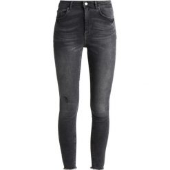 Pieces PCFIVE DELLY  Jeans Skinny Fit light grey denim. Szare rurki damskie Pieces. Za 169,00 zł.