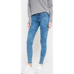 Tally Weijl - Jeansy Paris. Czerwone jeansy damskie marki TALLY WEIJL, l, z dzianiny, z krótkim rękawem. W wyprzedaży za 69,90 zł.
