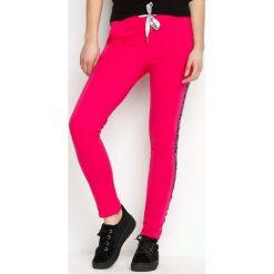 Spodnie dresowe damskie: Fuksjowe Spodnie Dresowe Conveniently