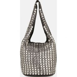 Czarna torebka na ramię. Czarne torebki klasyczne damskie Kazar, ze skóry, zdobione. Za 799,00 zł.