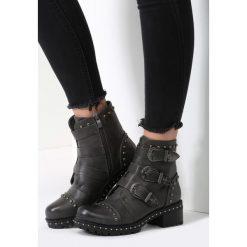 Ciemnoszare Botki I Got You Babe. Szare buty zimowe damskie marki other, z materiału, z okrągłym noskiem, na obcasie. Za 74,99 zł.