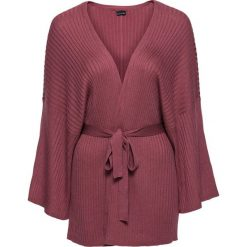 Sweter wiązany kimono bonprix czerwony mahoń. Czerwone swetry klasyczne damskie bonprix. Za 79,99 zł.