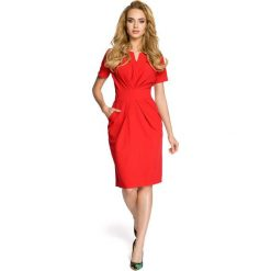 Sukienki: Drapowana sukienka z dekoltem - czerwona
